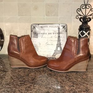 """ARIAT Belle Ankle Boot  3.5"""" wedge     Worn 2x"""